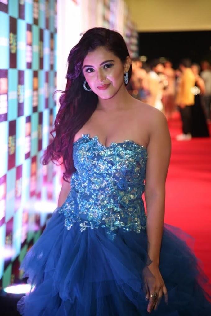 💖Actress Malavika Sharma In Blue Gown At SIIMA Awards 👈