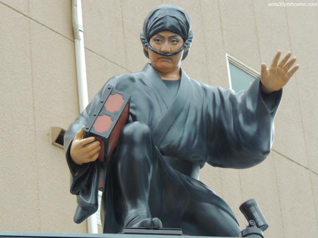 Ninjas en las Calles de Asakusa en Tokio