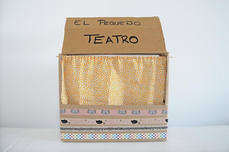 Detalle teatrillo de cartón diy