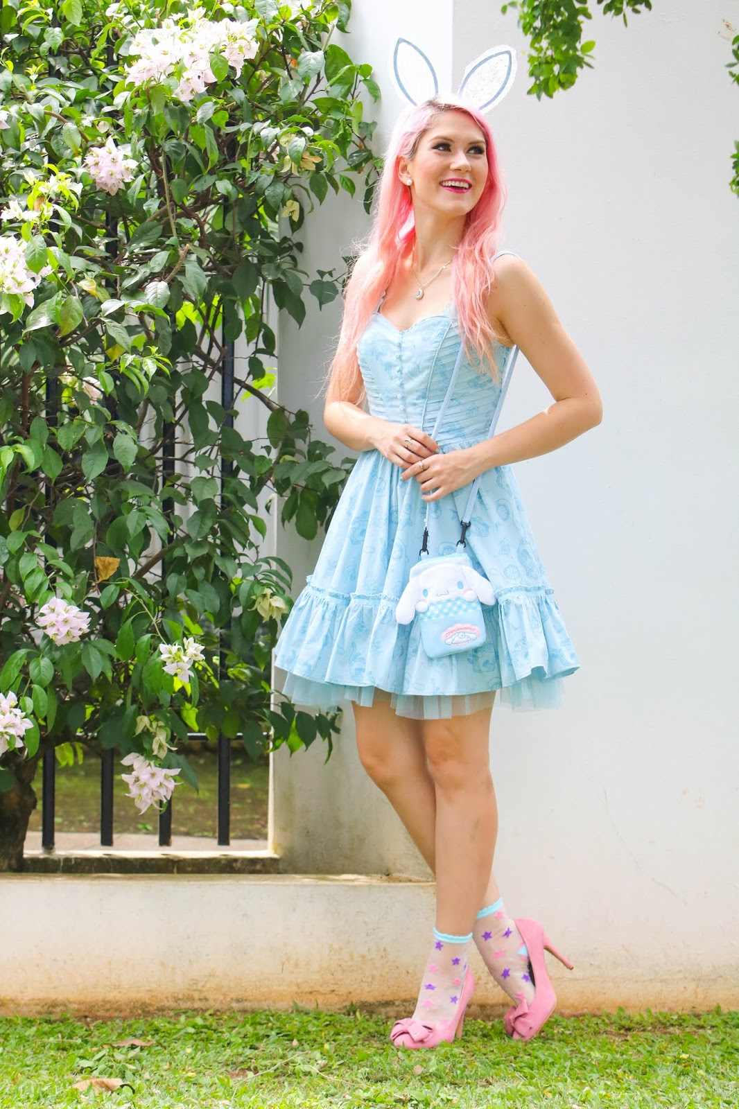 Alice in Wonderland Inspired Outfit