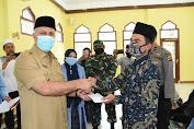 Bupati Shabela salurkan Insentif Guru Pengajian di Aceh Tengah