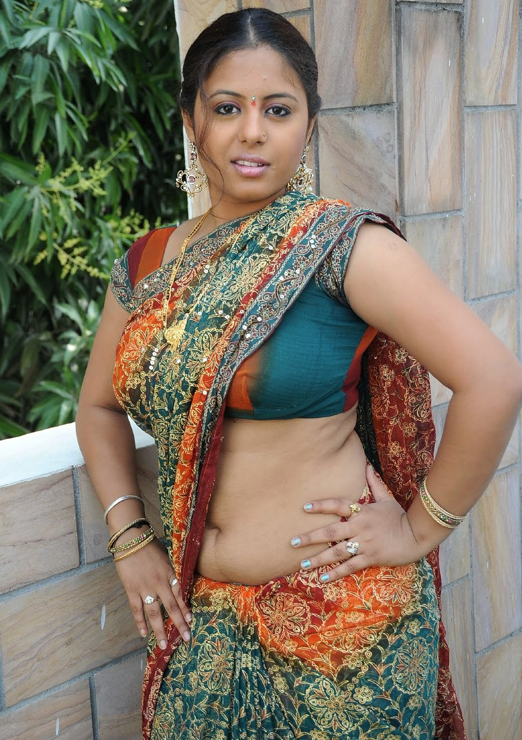 Hot Telugu Actress Sunakshi Sexy Navel Show Photos In -9038