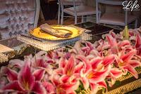 casamento com cerimônia ao ar livre em porto alegre com cadeiras em formato circular realizado no sitio da figueira com recepcação e festa com projeto elegante sofisticado e luxuoso com decoração em tons de rosa pink fendi e dourado por life eventos especiais