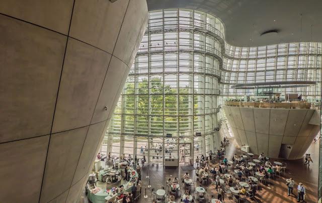 Visit National Art Center Tokyo