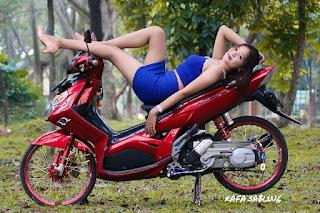 Modifikasi Nouvo Z Keren bersama Model Hot - 08