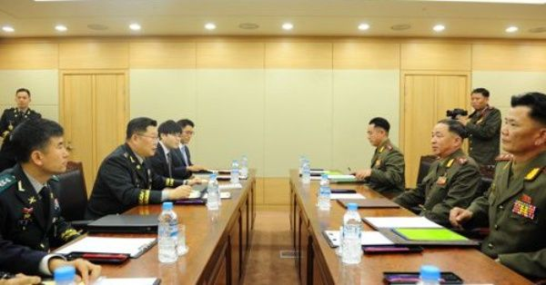 Militares coreanos conversan sobre nueva cumbre intercoreana