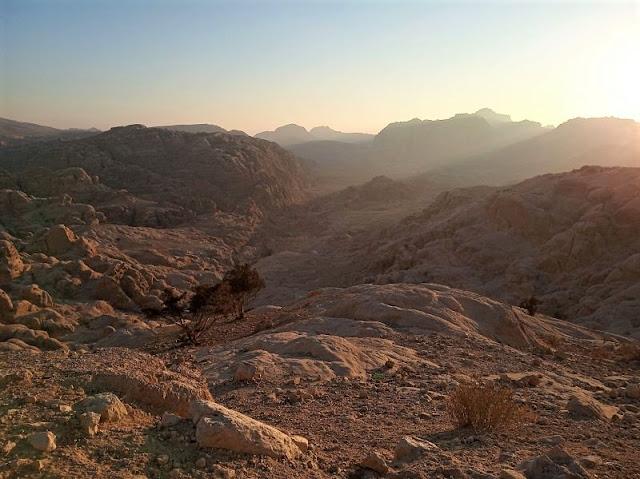 canyon si Petra visto dalla strada