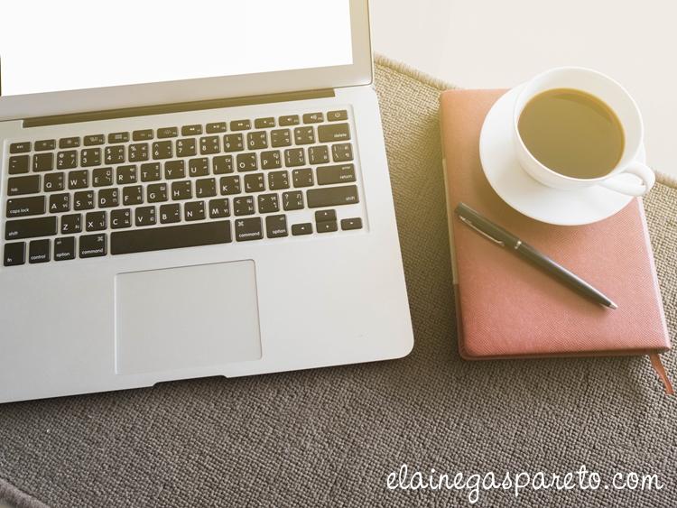 Botões Seguir de diversas redes sociais para blogs