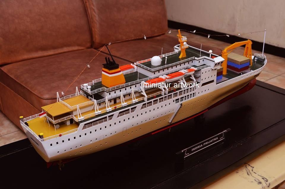 desain sketsa souvenir miniatur kapal pelni km gunung dempo terbaik
