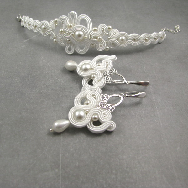 Wiszące kolczyki ślubne z perłami i bransoletka ślubna sutasz