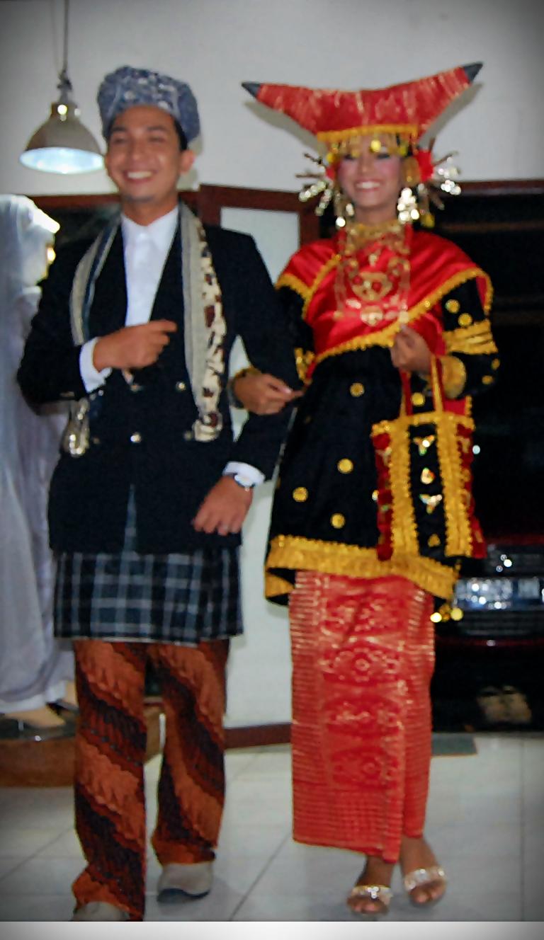 Gambar Pakaian Penghulu Adat Minangkabau