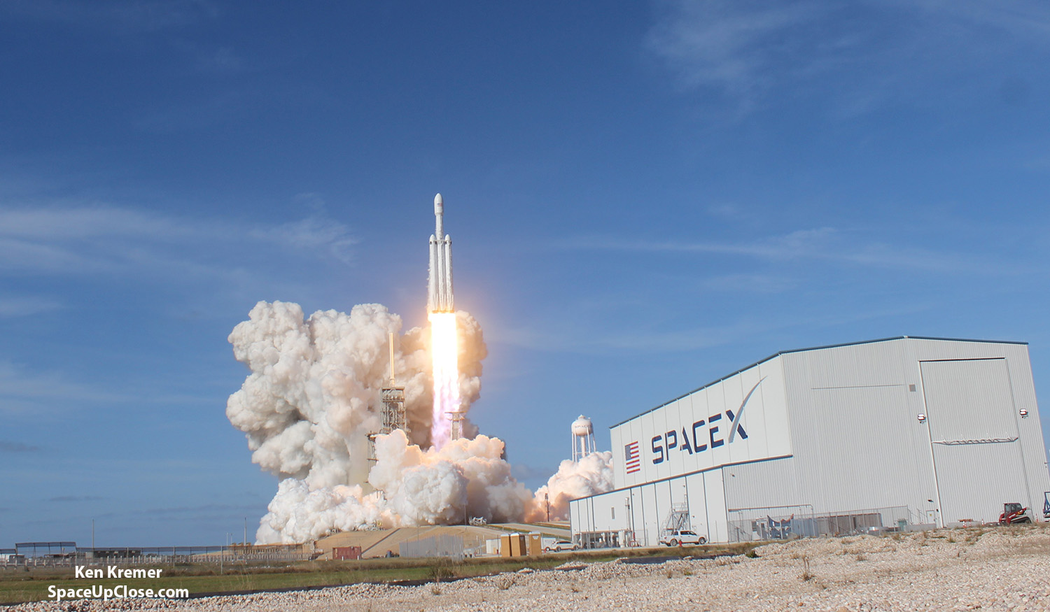 Space UpClose: 1st SpaceX Falcon Heavy Blasts off with