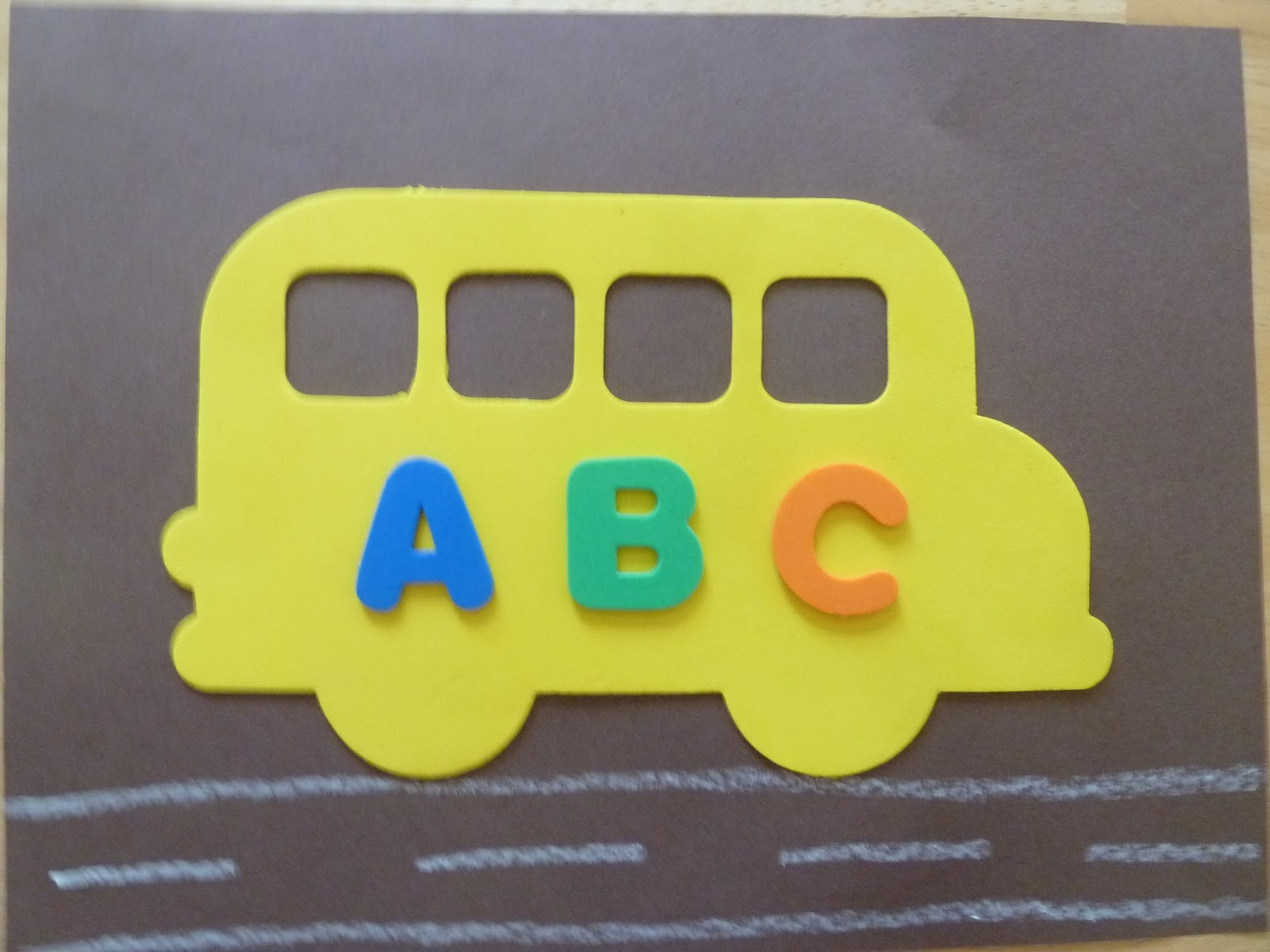 Dabblingmomma: Back To School School Bus Crafts