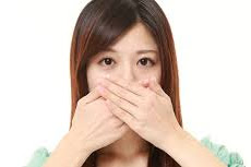 4 Makanan Untuk Mengatasi Bau Mulut Secara Permanen