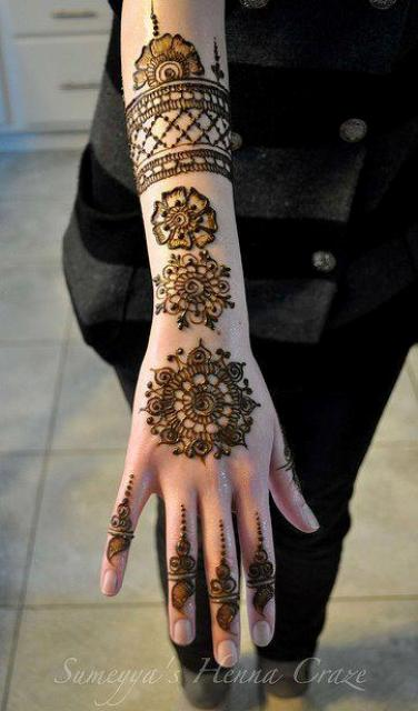 Henna Designs For Women: Latest Beautiful Hand Mehndi Henna Designs 2012 For Girls
