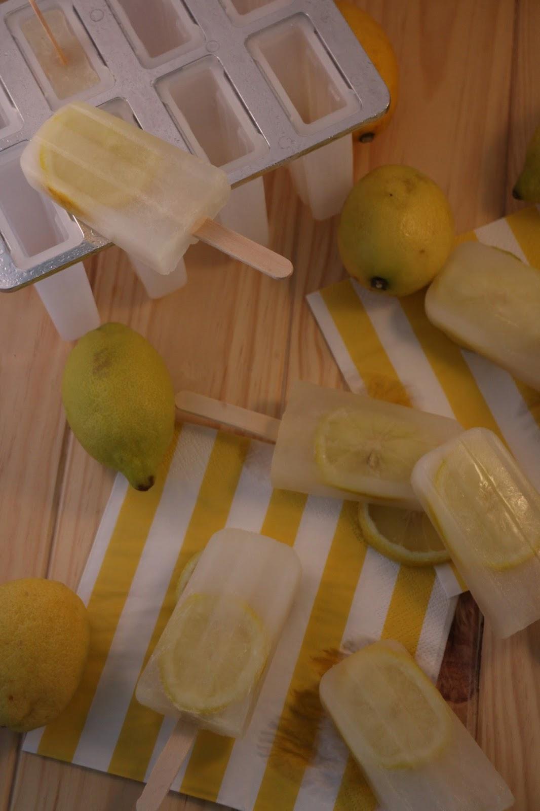 polos-de-ginebra-con-limon, gin-lemon-popsicles