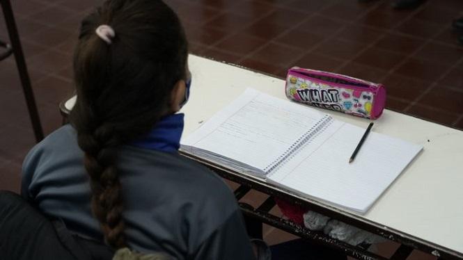 El gobierno extiende la jornada escolar en todas las escuelas primarias