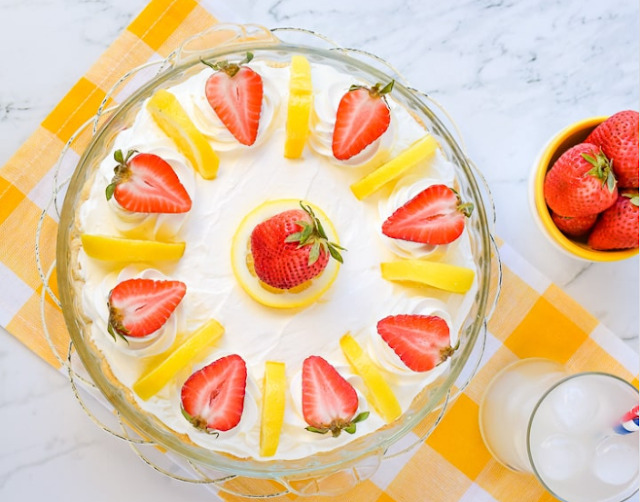 Lemon Cream Strawberry Pie #dessert #recipes