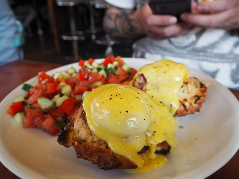 Biscuit benedict at House of Small Wonder in Berlin
