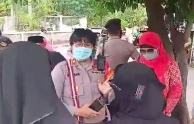 Rumahnya Didatangi Istri Habib Bahar dkk, Nikita: Cuma Dikit, Kasian Amat Dihadang Pak Polisi