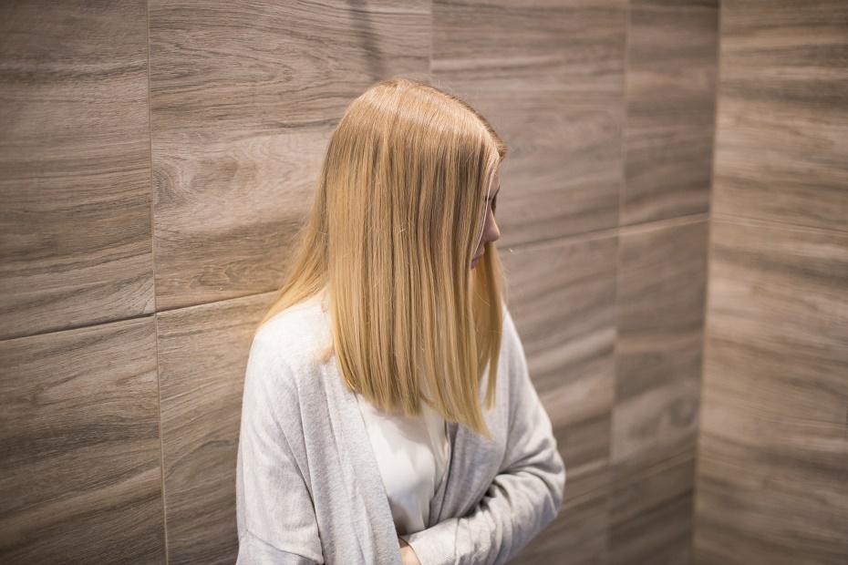 Jak nadać włosom blask i objętość?