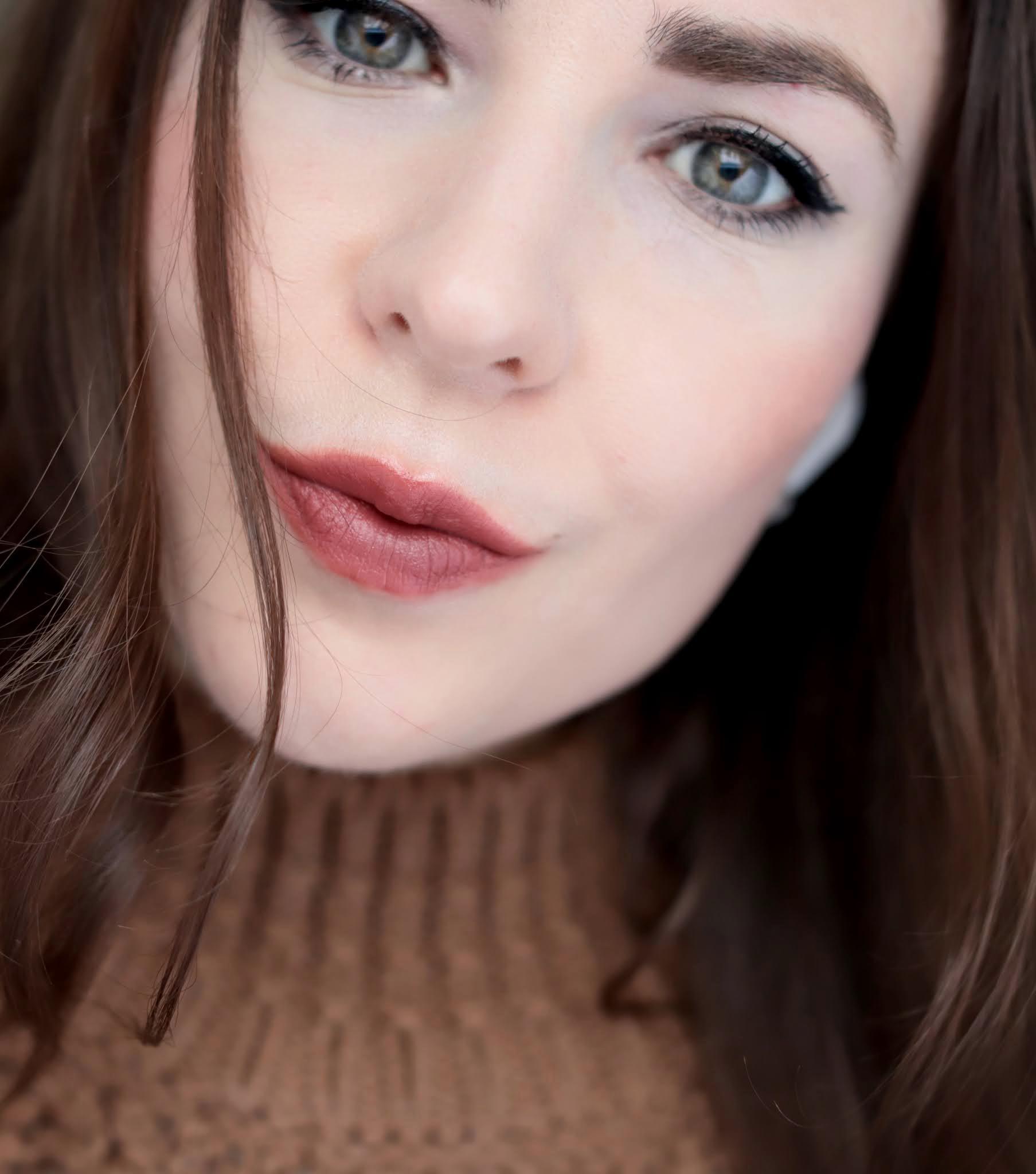 Chanel Rouge Allure Velvet 237 Beige Ardent