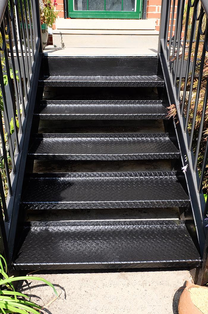 alkyd paint repainted metal outdoor steps