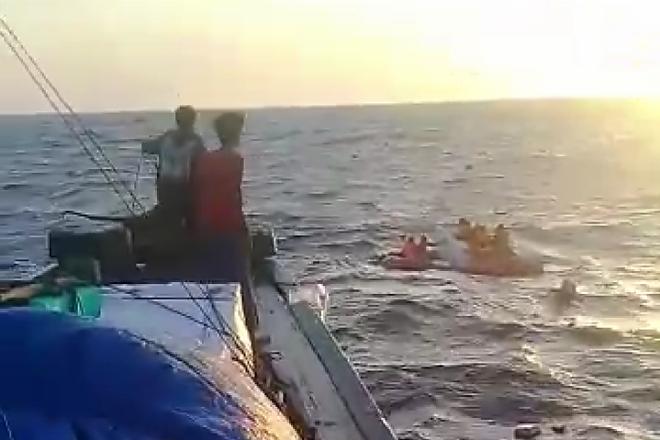 Tenggelam di Teluk Bone, Barang Muatan KM Mega Jaya Terdampar di Labotto