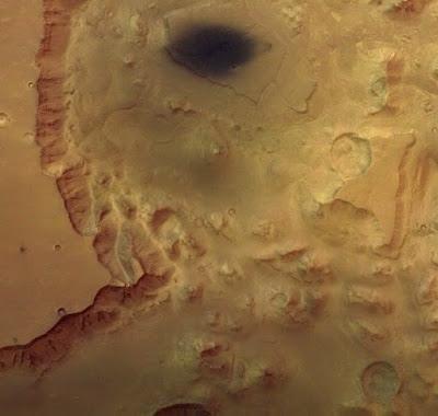 Non esiste alcun ziqqurat su Marte