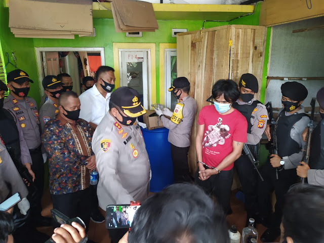 Gudang Miras Oplosan di Perumahan Bukit Sukamulya Regency Digrebeg Polisi