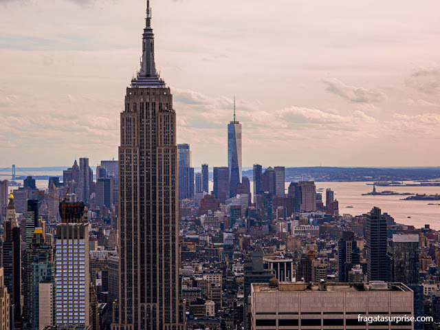 Empire State Building visto do Top of the Rock, no Rockefeller Center, Nova York
