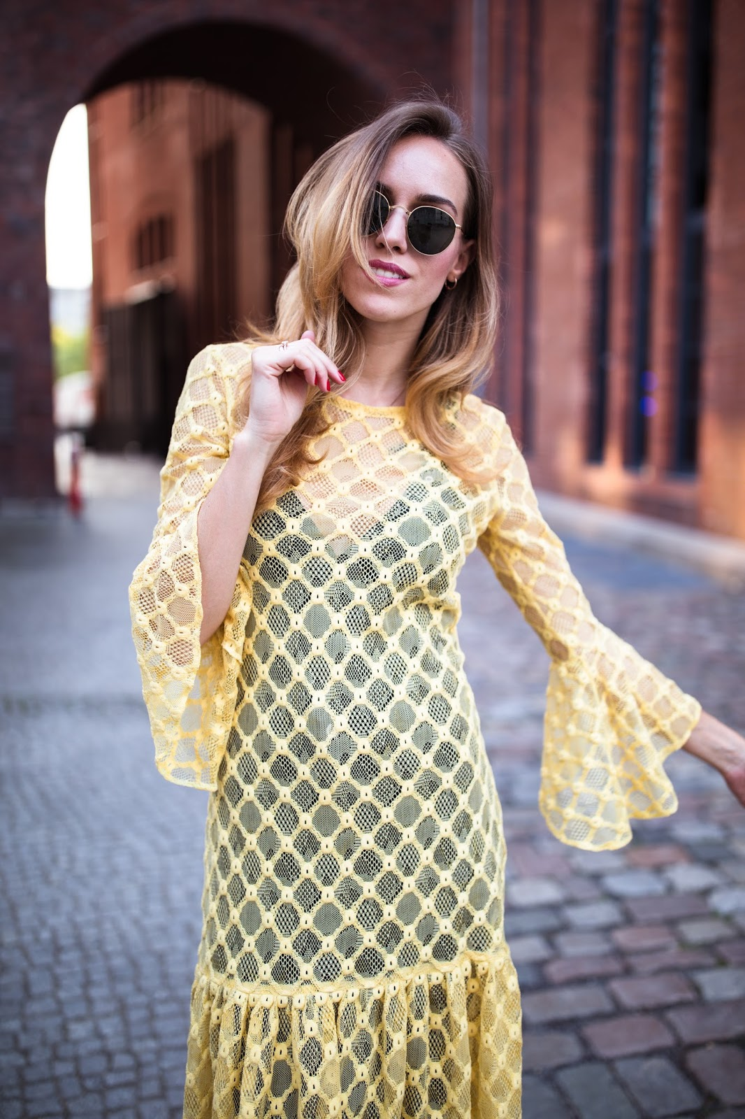 yellow ruffle lace dress outfit