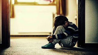 أين حقوق الطفل الذي يجبر على فقد أحد أبويه بسبب تبني فردين شاذين له