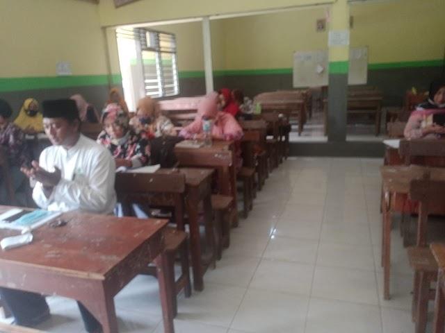 Ajak Guru SMP PGRI 6 Surabaya Untuk Menyusun Program Mengharap Ridho Dan Berkah Allah Di Semester Genap 2020/2021