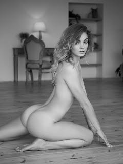 Hot Girl Naked - Mary-by-Artemy-Mostovoy-2.jpg