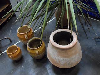 Detalle de cerámica en el stand de Antiguedades modernas en el Desembalaje Bilbao