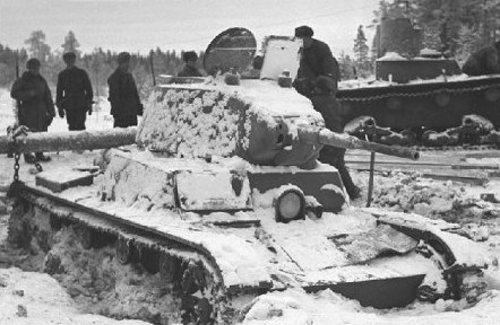 7 January 1940 worldwartwo.filminspector.com Soviet tanks