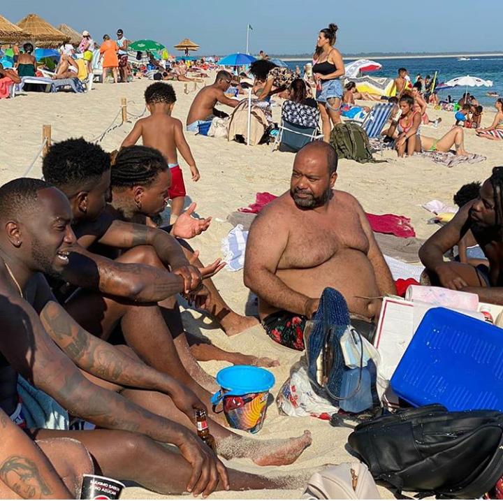 Paulo Flores desfruta o verão com a Força Suprema em Setúbal