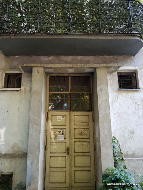 drzwi balkon Warszawa Warsaw Praga Północ praskie klimaty kamienica ulica architektura architecture