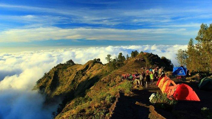 Gunung Rinjani Lombok - 10 Rekomendasi Tempat Bulan Madu Romantis