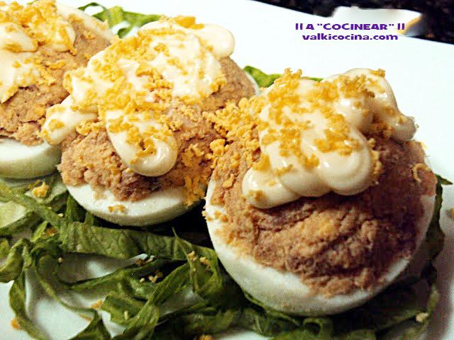Huevos rellenos tradicionales