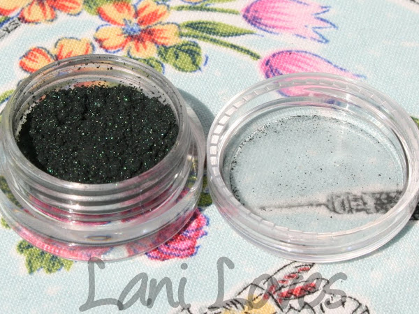 A Fyrinnae A Day: Callipygian Swatches & Review