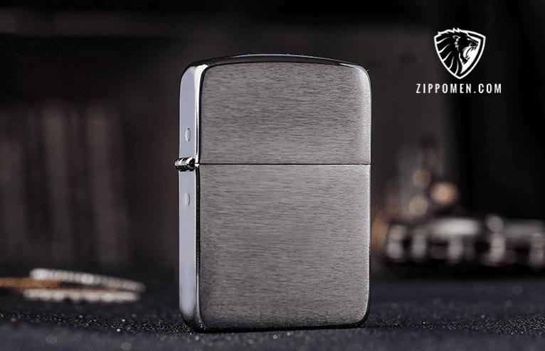 Zippo Replica Black Ice – Trắng Nhám Vân Ngang Ánh Đêm Huyền Bí