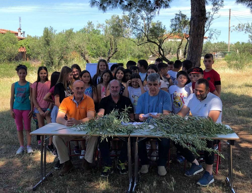 Μνημόνιο Συνεργασίας μεταξύ του Δημοτικού Σχολείου Ολύνθου  και του Συνεταιρισμού Βιοκαλλιεργητών (biolivia)