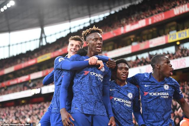 'Sát thủ' đòi tăng lương, Chelsea lao đao