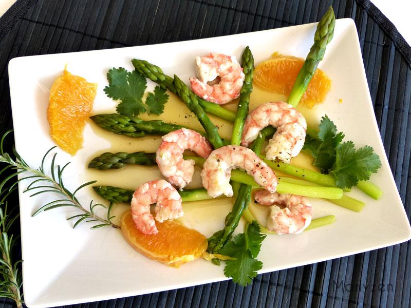 Fricassée d'asperges aux crevettes et à l'orange