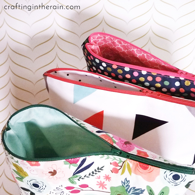 cricut cosmetic bag with liner