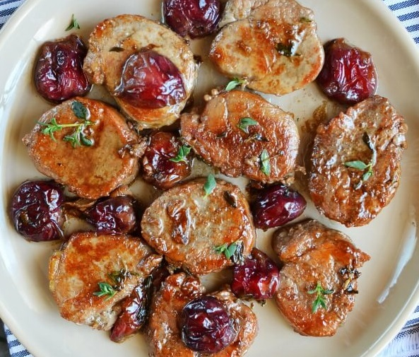 How to Make Pork Meallions with red wine Cherry sauce