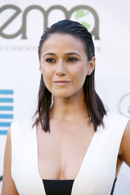 Emmanuelle Chriqui Sexy Pictures in White Outfit Navel Queens