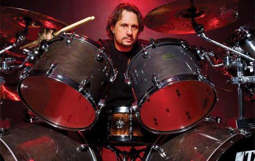 Dave Lombardo admite que os Slayer foram influenciados pelos Metallica
